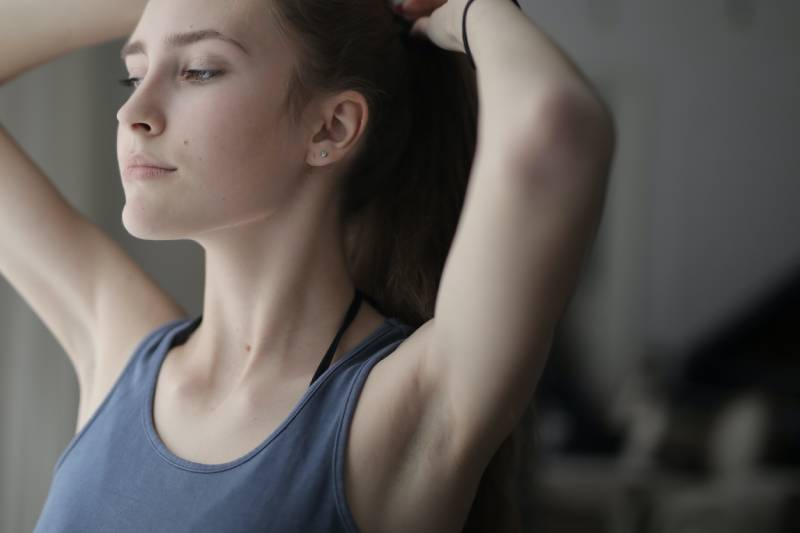 armpits without stretch marks